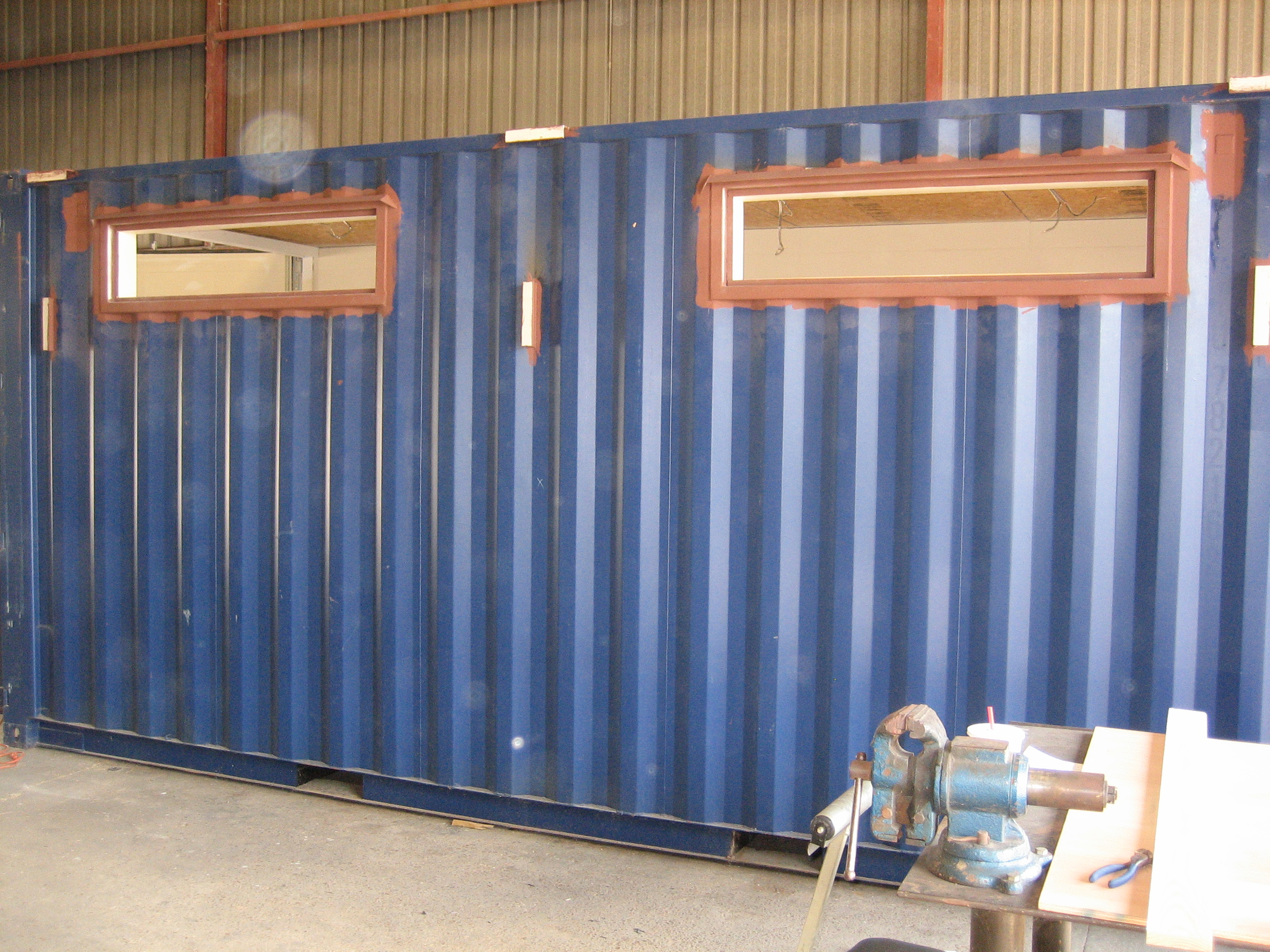 Container with Bulkhead