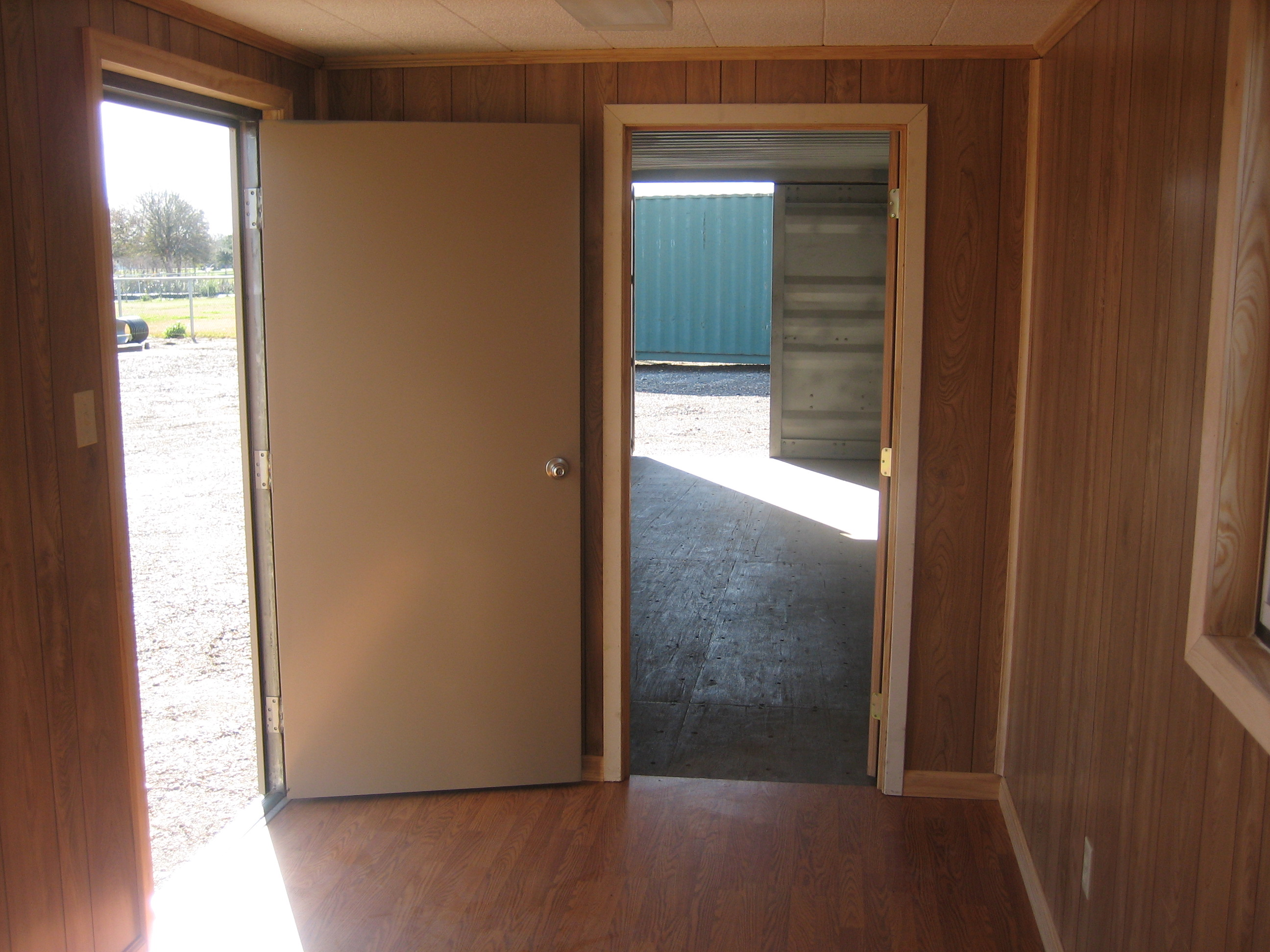 40' Office Storage Combo Interior